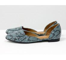 """Облегченные кожаные туфли-лодочки с удлиненным носиком на низком ходу, серо-голубого цвета с текстурой """"питон"""",  Д-24-36"""
