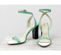 Летние нарядные босоножки на устойчивом глянцевом каблуке, выполнены из натуральной кожи мятного цвета, С-1799-08