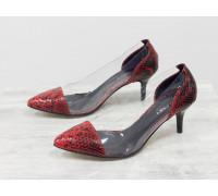 """Эксклюзивные туфли из натуральной итальянской кожи черно-красных тонов со змеиным рисунком """"анаконда"""" и вставками из мягкого силикона, на невысокой шпильке, Лимитированная серия, Т-1910-01"""
