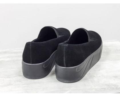 Практичные мокасины из черной замши на черной высокой подошве с легким налетом серебра, Т-1663-10
