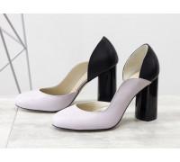 Шикарные туфли из натуральной кожи лилового и черного цвета, на устойчивом глянцевом каблуке черного цвета с геометрическим рисунком, Лимитированная серия, Т-17423/1-03