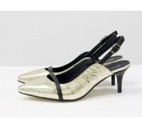 Эксклюзивные туфли с открытой пяткой из натуральной кожи золотого цвета с черной кожаной лентой на носике, на невысокой шпильке, Лимитированная серия, С-1907-01