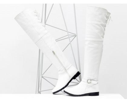 Высокие эксклюзивные Ботфорты из натуральной кожи яркого белого цвета с текстурой питон, на утолщенной подошве, со шнуровкой и застежкой с белыми кристаллами, Новая коллекция Осень-Зима, М-17084-05