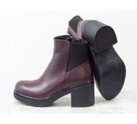 Ботинки из натуральной кожи бордового цвета на молнии на черной устойчивой подошве, Коллекция Осень-Зима, Б-1665/1-04
