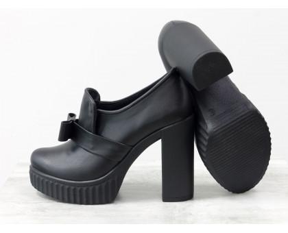 Туфли из натуральной кожи черного цвета с бантиком на высоком устойчивом каблуке коллекция осень-зима от Джино Фиджини, Т-40-04