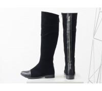 Высокие женские сапоги из натуральной замши и кожи черного цвета на невысоком каблуке, с молнией по всей длине, М-111-25