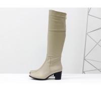 Высокие женские  сапоги из натуральной кожи светло-бежевого цвета, на устойчивом среднем каблуке, Коллекция Осень-Зима от Джино Фиджини, М-123-12