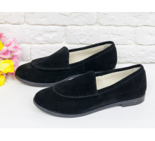 Замшевые туфли-лоферы с отстрочкой в черном цвете на удобной подошве и не высоком каблучке, Т-17060-06
