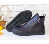 Ботинки с металлическими молниями из натуральной кожи фиолетового цвета на практичной черной подошве, Б-407-25