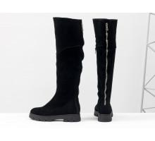 Высокие женские сапожки из натуральной замши черного цвета с яркой молнией сзади, на противоскользящей расширенной подошве, Коллекция Осень-Зима, М-111д-09