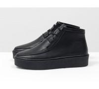 Стильные женские ботинки из натуральной кожи черного цвета на шнуровке, в стиле Chukka Boots, на удобной прорезиненной подошве в тон, Коллекция Осень-Зима, Б-17111-08