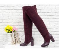 Ботфорты свободного одевания бордового цвета, на невысоком устойчивом каблуке, выполнены из натуральной кожи и замши, Коллекция Осень-Зима 2018-2019, М-18127-11