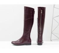 Сапоги-ботфорты из натуральной гладкой кожи бордового цвета, на классической подошве с маленьким каблучком, Коллекция Осень-Зима, М-111-13