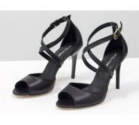 Туфли на каблуке шпильке, из натуральной кожи черного цвета, с ремешками крест на крест, коллекция Весна-Лето 2020 от Джино Фиджини, С-17043-01