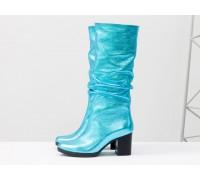 Эксклюзивные сапоги гармошкой - слаучи, на каблуке из яркой натуральной кожи голубого цвета с эффектом фольги, Новая коллекция от Джино Фиджини, М-17400/3-12