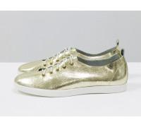 Невероятно легкие туфли-кеды из натуральной кожи золотого цвета на яркой белой подошве , Т-17412-14