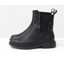 Кожаные ботинки черного цвета со вставками из эластичной ленты по бокам, на утолщенной подошве, Б-1825-03