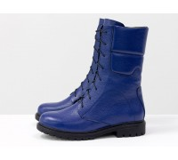 Ботинки из натуральной блестящей кожи флотар ярко-синего цвета, на шнурке и на утолщенной подошве черного цвета с глубоким протектором, Коллекция Осень-Зима, Б-44-17