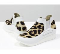 """Лимитированная серия. Стильные дизайнерские кеды из натуральной кожи белого цвета в комбинации с мехом пони """"леопард"""", на белой подошве,  Д-32-01"""