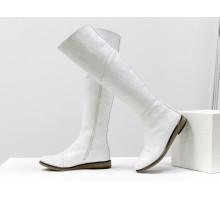 Шикарные белые ботфорты из натуральной кожи с текстурой питон, на светлой подошве, Коллекция Осень-Зима от Gino Figini, М-111-31