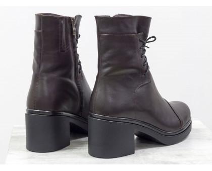 Удобные женские ботинки на шнурках из коричневой кожи на устойчивом, невысоком каблуке черного цвета, Б-1607-08
