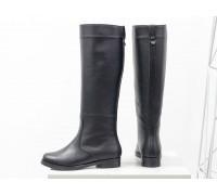 Высокие женские сапоги свободного одевания из натуральной кожи черного цвета, на не высоком и устойчивом каблуке, Коллекция Осень-Зима от Джино Фиджини, М-17350-03