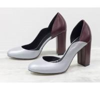 Женские туфли на обтяжном каблуке из натуральной кожи флотар серого цвета в сочетании с гладкой кожей бордового цвета, на устойчивом каблуке, Лимитированная серия, Т-17423/2-04