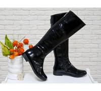 Шикарные Ботфорты из натуральной лаковой кожи черного цвета с текстурой питон, Коллекция Осень-Зима, М-111