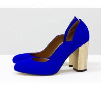 Женские туфли из итальянской замши ярко-синего цвета, на устойчивом золотом каблуке с объемным 3D рисунком, Т-17423/3-01