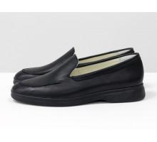Облегченные туфли лоферы из натуральной кожи классического черного цвета, с подкладом из натуральной кожи светлого цвета, на утолщенной черной подошве, Д-25-01