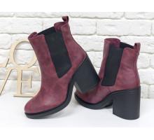 Ботинки свободного одевания бордового цвета из натуральной матовой кожи, на устойчивом каблуке, с широкой черной резинкой,  Б-17330-09