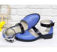 Красивые женские Туфли из натуральной кожи василькового цвета, на застежках - черных лаковых ремешках, на невысоком каблуке, Д-23-14