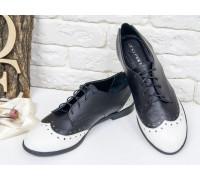 Монохромные Туфли Оксфорды на шнуровке из натуральной  кожи белого и черного цвета, на низком ходу, Т-415-04