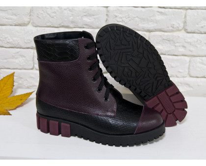 Ботинки в бордовой коже и вставками из черной кожи с текстурой питон, на шнурках на устойчивой подошве черно-бордового цвета, Зимняя коллекция 2017-2018, Б-16081