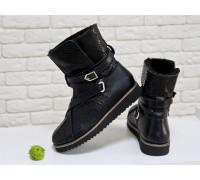 Женские высокие ботиночки в стиле UGG из натуральной текстурированной кожи черного цвета , Коллекция осень-зима 2017-2018, Б-17119