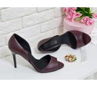 Босоножки из натуральной кожи насыщенного бордового цвета на каблуке-шпилька, коллекция весна-лето, С-704