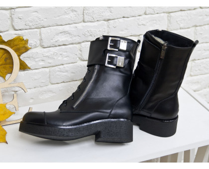 Ботинки в черной коже на металлической молнии с ремешками и застежками на черной устойчивой подошве, Коллекция Осень-Зима, Б-1667
