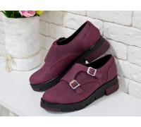 Туфли из натуральной кожи бордового цвета с металлическими пряжками на черно-бордовой подошве, Коллекция 2017года, Т-1669