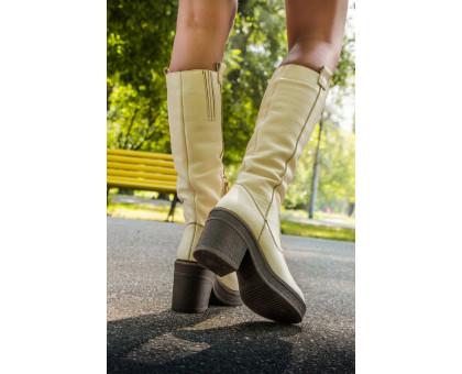 Сапоги женские из натуральной кожи молочного цвета на молнии на устойчивом не высоком каблуке, Коллекция Осень-Зима, М-16072-03