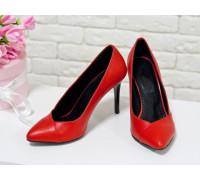 Туфли на каблуке из натуральной кожи насыщенного ярко-красного цвета, коллекция Весна-Лето , Т-1701