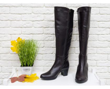 Ботфорты женские из натуральной кожи темно-коричневого цвета на устойчивом не высоком каблуке, М-123-06
