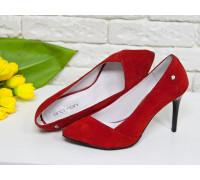 Туфли на каблуке из натуральной замши насыщенного ярко-красного цвета, коллекция Весна-Лето, Т-1701