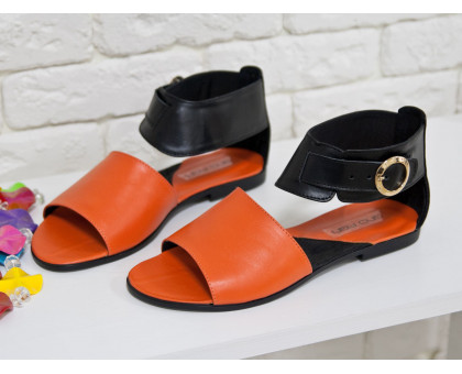 Босоножки из натуральной кожи оранжевого цвета в комбинации с черным на низком ходу коллекция Весна-Лето, С-602