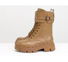 Высокие женские милитари ботинки из натуральной кожи карамельного цвета, с ремнем, на ребристой подошве, Коллекция Осень-Зима от Gino Figini, Б-2173-01