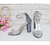 Босоножки из натуральной кожи серебряного цвета и текстиля блестящая крошка, на устойчивом каблуке, Коллекция Весна-Лето, С-1731-01