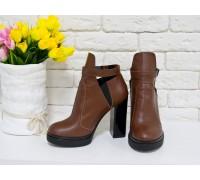 Ботинки из натуральной кожи светло-коричневого цвета с резиновой вставкой сверху отделка в виде кожаного ремешка с застежкой на высоком и устойчивом каблуке, Б-1664