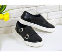 Туфли из натуральной кожи черного цвета с металлическими пряжками на белой подошве коллекция осень-зима  2016-2017, Т-1669