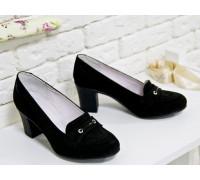 Удобные туфли из натуральной замши черного цвета на устойчивом каблуке средней высоты, Т-201зч