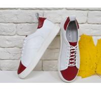 Кеды из натуральной кожи белого цвета в комбинации с красной, на утолщенной белой подошве Т-17026