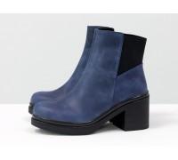 Ботинки из матовой кожи синего цвета на молнии на невысоком черном каблуке, Коллекция Осень-Зима, Б-1665/1-01